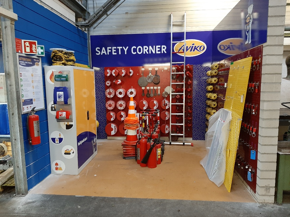 safety corner in fabriek