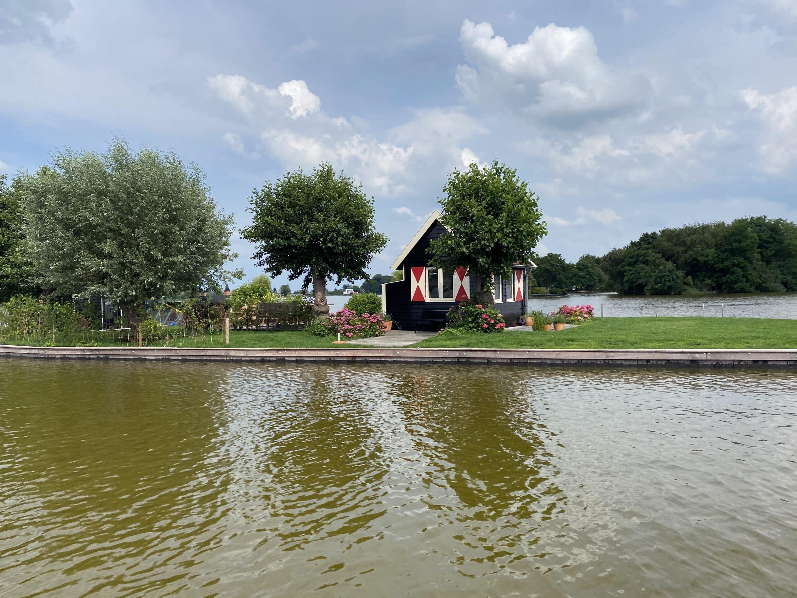 vergadereiland in Reeuwijkse plassen